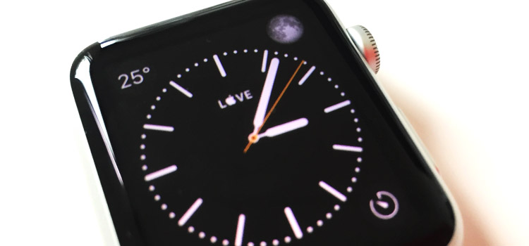 "Simbolo ""Mela""  all'interno del quadrante di Apple Watch"