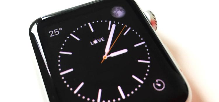"""Simbolo """"Mela""""  all'interno del quadrante di Apple Watch"""